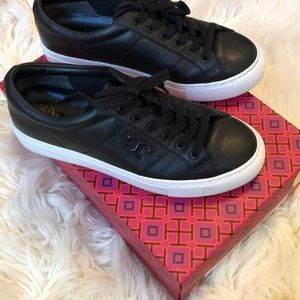 Tory Burch black leather chase lace up sneaker